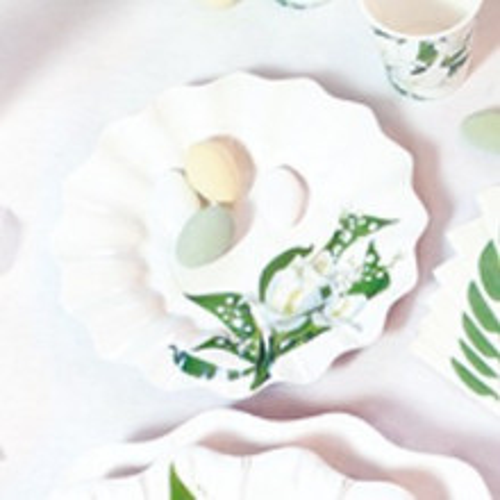 White flowers plates 15 cm