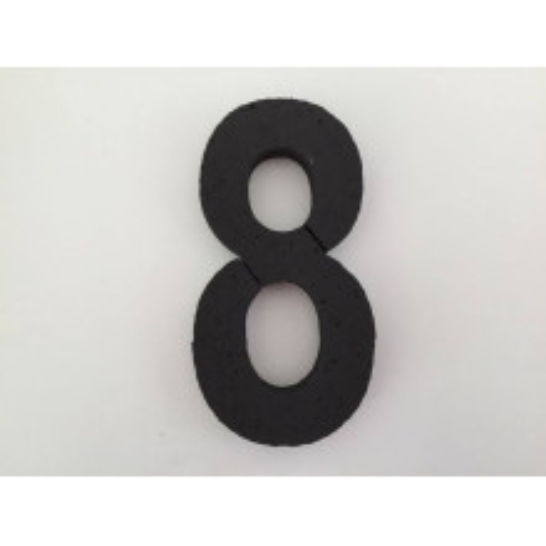 Črna številka 8